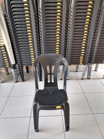 """Cadeira plástica acquarfort """"Jesus"""" - Foto 2"""