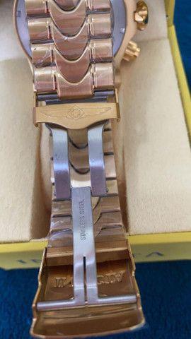 Relógio Invicta Venom Dourado com Azul a prova d'água Completo - Foto 2