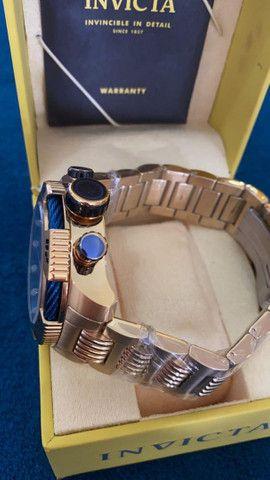 Relógio Invicta Speedway Tritnite Fundo Azul a prova d'água - Foto 6