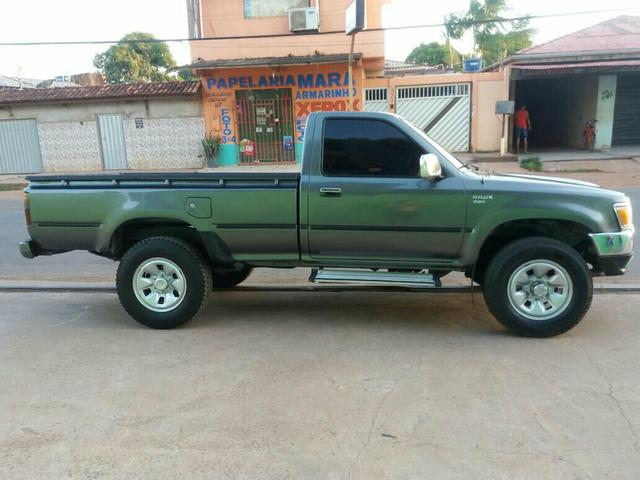 TOYOTA HILUX/4x4/ Cabine Simples