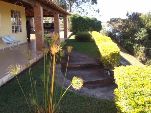 Casa na beira da represa em Camargos-Vende-se