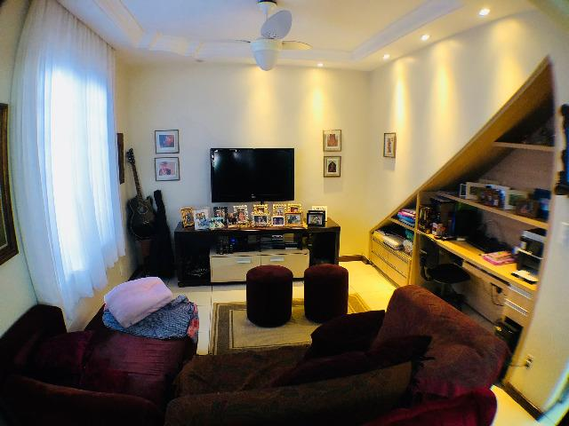 Casa com 4 quartos no Setor Sul - 548 m2 de Terreno. Esquina com a Rua 115