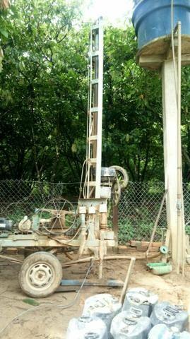 Maquina de furar poço sem artesiano