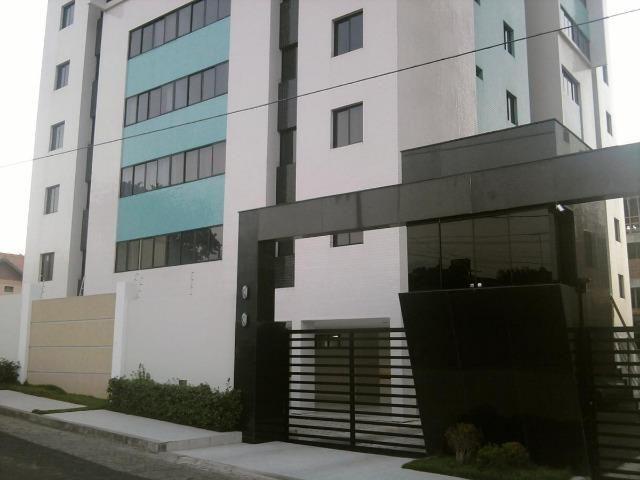 Apartamento de 03 Quartos com 02 Suítes no Bairro do Catolé e com 02 Vagas - Imperdível