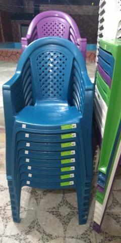 Cadeira plásca - Foto 3