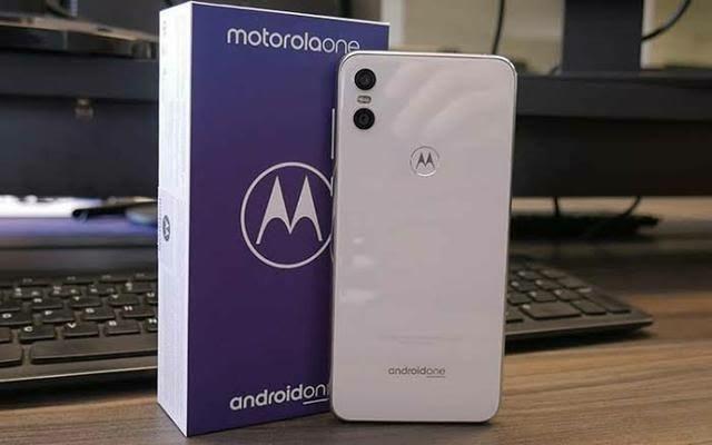 Smartphone Motorola One Branco 4/64GB - Foto 2