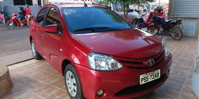 Vendo Toyota Etios sedã ótimo estado de conservação - Foto 6