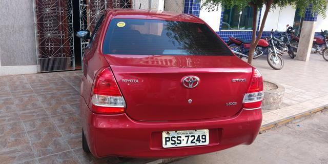 Vendo Toyota Etios sedã ótimo estado de conservação - Foto 2