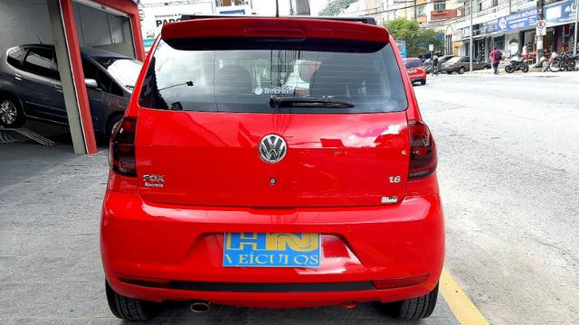 Vw fox GII highline motor 1.6 8v flex 4p vermelho 2014 raridade top - Foto 2