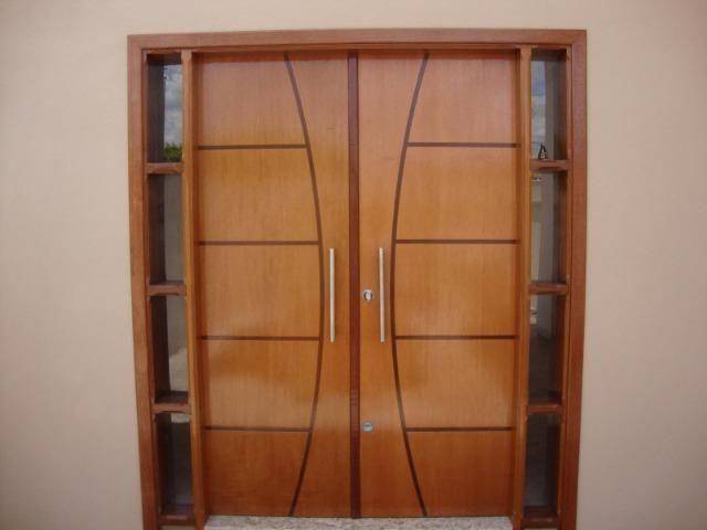Portas de madeiras / janelas de madeiras/ puxador / fechaduras - Foto 2