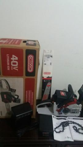 Vendo motoserra a bateria oregon - Foto 2