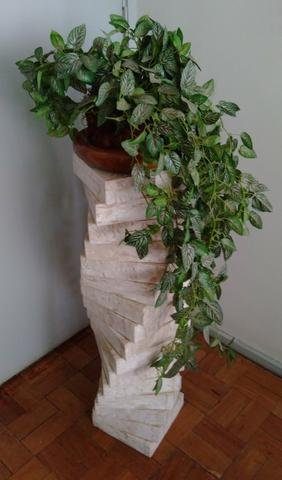 Arranjo decorativo planta c/xaxim artificiais