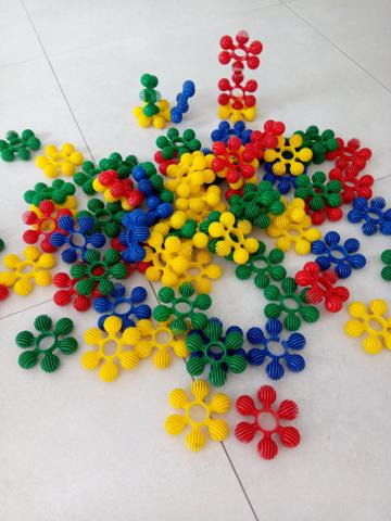 Jogo de encaixe / brinquedo de montar / Lego - retirar no centro de Curitiba - Foto 2