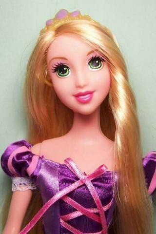 Boneca Barbie Rapunzel Enrolados Disney Mattel - Foto 4
