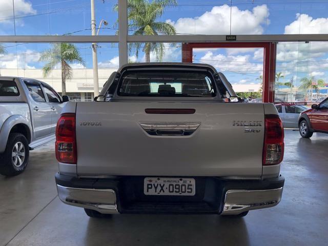 Hilux Srv 2017 4x4 diesel Automática - Foto 4