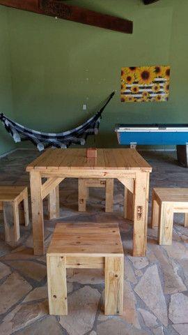 Fabricante de móveis em madeira de demolição e paletes