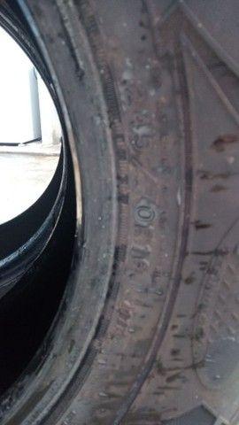 Vendo 2 pneus roda 16 era da S10 - Foto 3