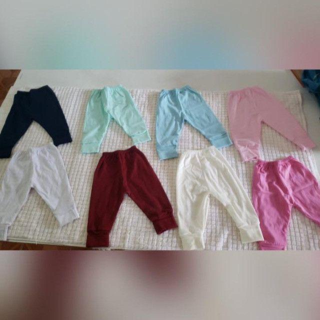kits de camisetas e calças de algodão paea bebê de 0 a 8 meses.