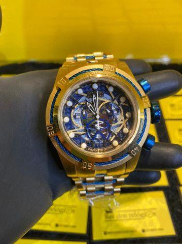 Relógio invicta bolt Zeus detalhe azul novo