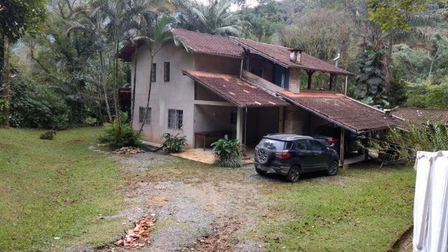 Chácara em condomínio fechado no Vila Nova!