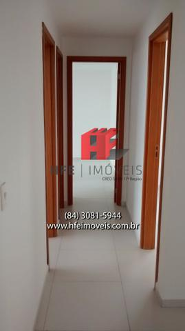 Apartamento novo com 3 suítes em Lagoa Nova