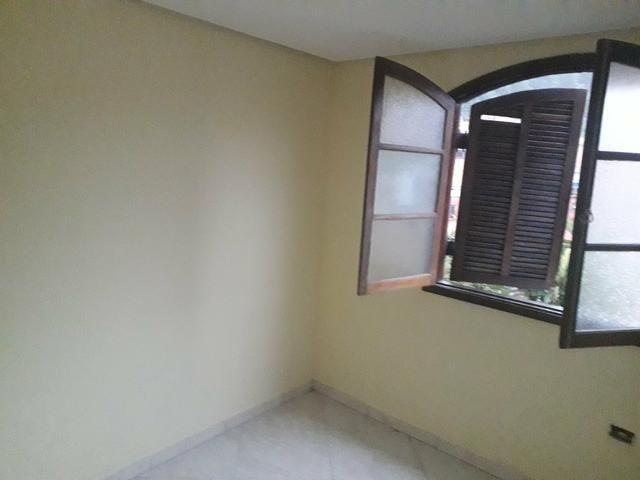 Alugo 2 cômodos para casal ou solteiro - Foto 4