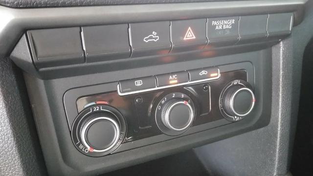 VW - Amarok S 2.0 Diesel 4x4 Manual - 2017 - Foto 13