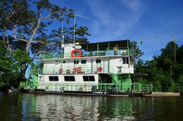 Barco Hotel Pantanal