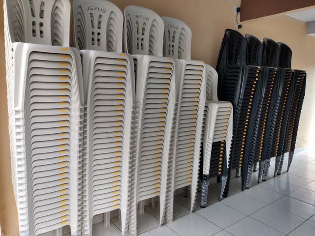 """Cadeira plástica acquarfort """"Jesus"""" - Foto 3"""