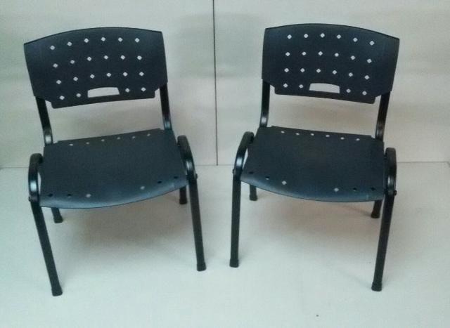 Cadeira plastica [Novas] Garantia 01 ano - Foto 2