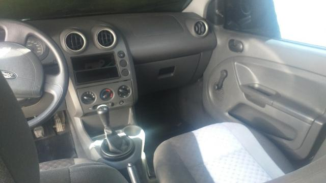 Fiesta hatch 2006 motor 1.6 Flex super novo - Foto 9