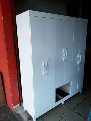 Guarda-roupa branco 6 portas Novo entrega grátis - Foto 2