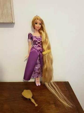Boneca Barbie Rapunzel Enrolados Disney Mattel