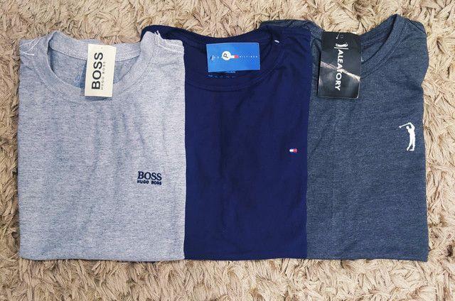 Camisas básicas - do (p) ao (GG) - Foto 2