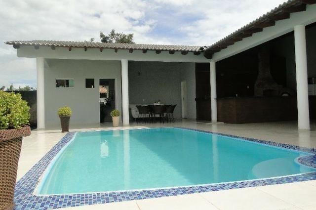 Samuel Pereira oferece: Magnífica casa térrea no Condomínio Mansões Entre Lagos com lazer - Foto 2
