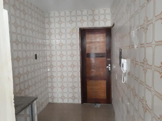 Apartamento para aluguel com 81 metros quadrados e 2 quartos em Carlito Pamplona - Fortale - Foto 17