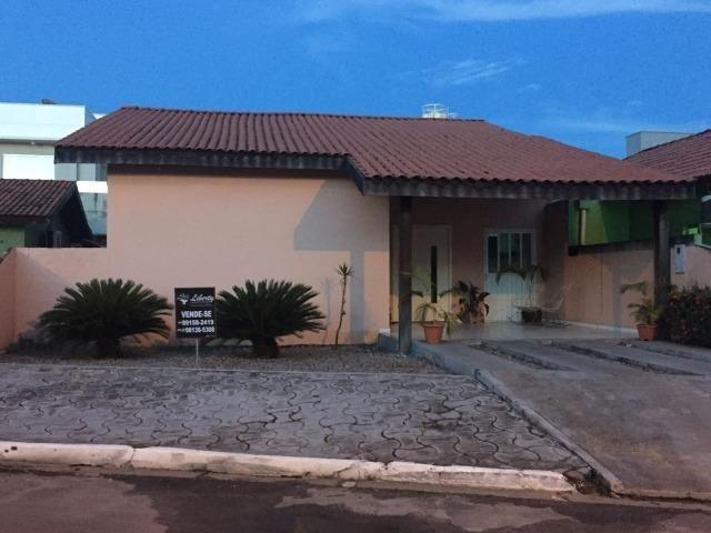 Vende-se casa no condomínio Portal do Sol