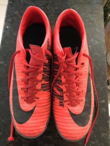 Chuteira Society Nike Mercurial Victory Vermelho e Preto - Foto 3
