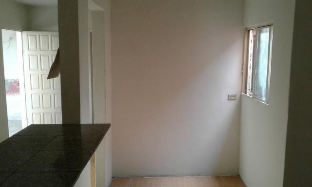 Casa nos fundos - 2 quartos Sala Cozinha 1 Garagem - Foto 10