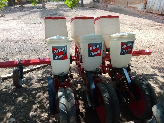 Vende-se madal raspadeira baldan uma plantadeira jumil 3 linhas e uma siladeira - Foto 4