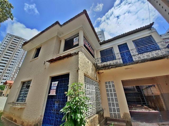 [ A835 ]Casa com 2 Pavimentos. No Espinheiro !!