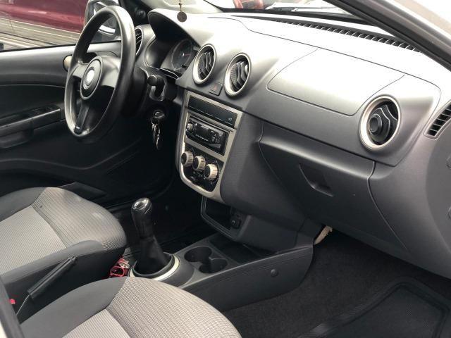 Volkswagen Voyage 2011 1.6 Completo - Foto 8