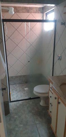 Apartamento vista mar com 3 dormitórios e 2 garagens no centro de Balneário Camboriú - Foto 9