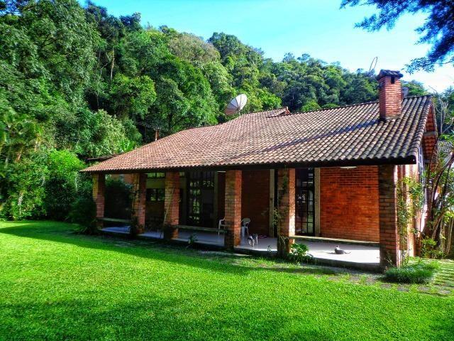 Excelente Casa c/4 Quartos no Quitandinha