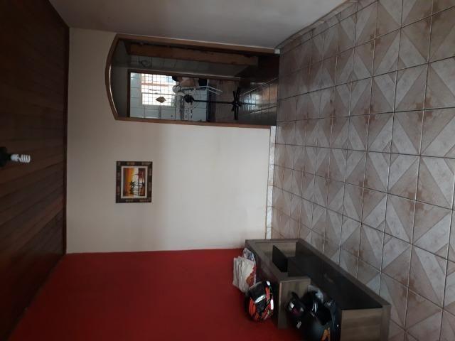 Suíte para solteiro(a) em casa ampla na zona sul, incluso água (dividir aluguel) - Foto 3