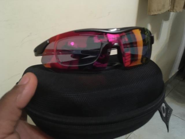 Óculos oakley para prática de esportes