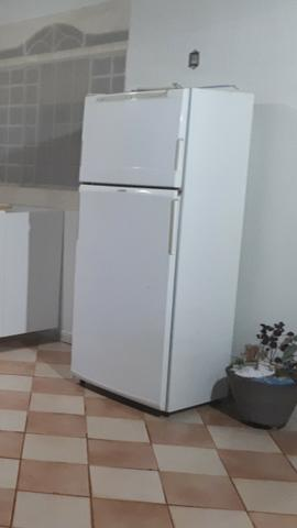 Vendo/Troco geladeira Brastemp frostfree - Foto 4