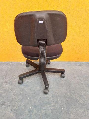 Cadeira giratória  - Foto 3