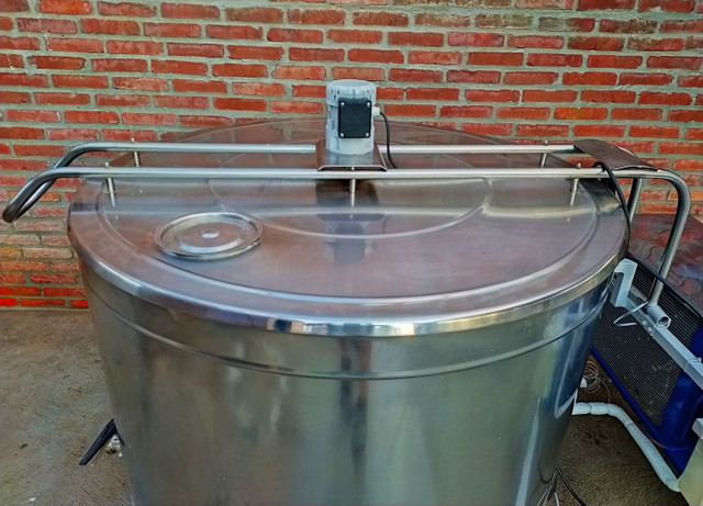 Resfriador Agranel de Leite 790 Litros Semi Novo  - Foto 5