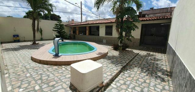 Alugo Excelente casa com piscina no Cohatrac - Foto 17